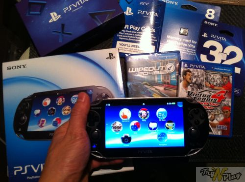 TNP TNP ACCPSVITA 28 02 2012 12 DEBALLAGE   La Playstation Vita est arrive !